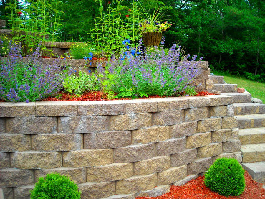 Retaining wall with block rick gruel landscaping for Block wall landscape design